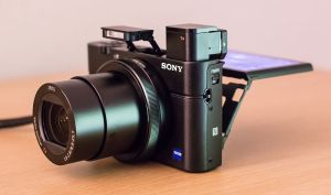 800px-sony_rx100_iii_physical_features